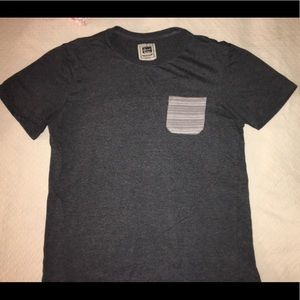 Comfortable grey tee with chest pocket